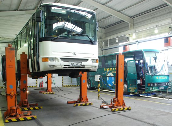 Maintenance service for other vehicles